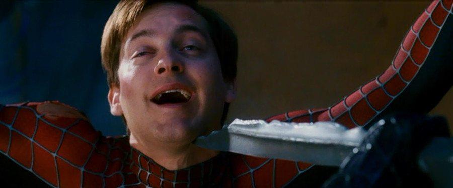 momentos ridículos en películas de superhéroes
