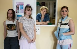 serie inglesa three girls bbc