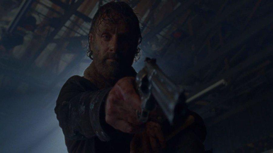 The Walking Dead 8×14 rick y su campera