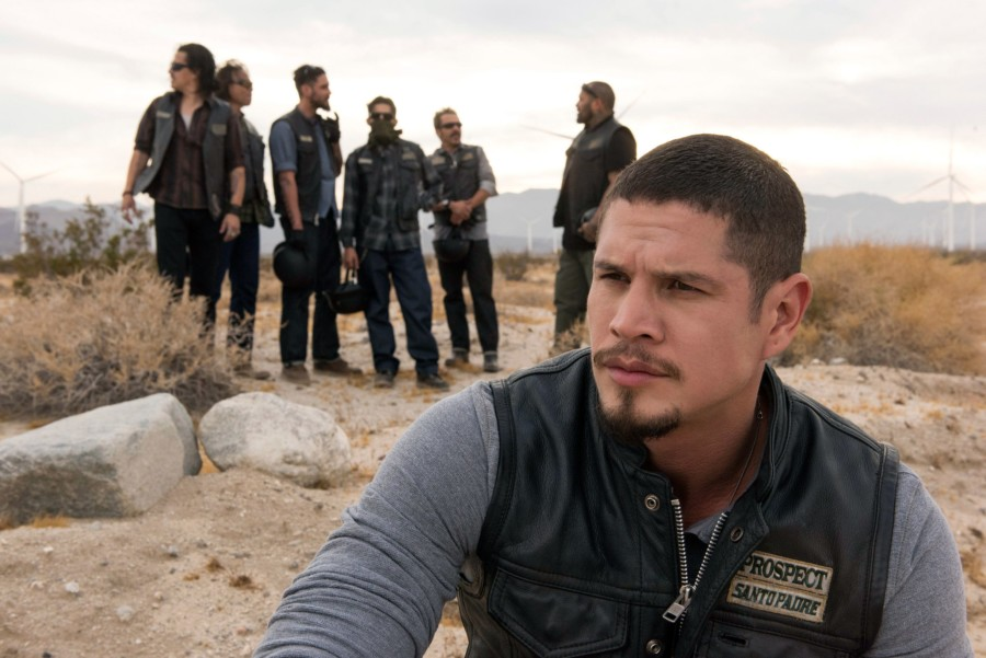 mayans serie spin-off sons of anarchy