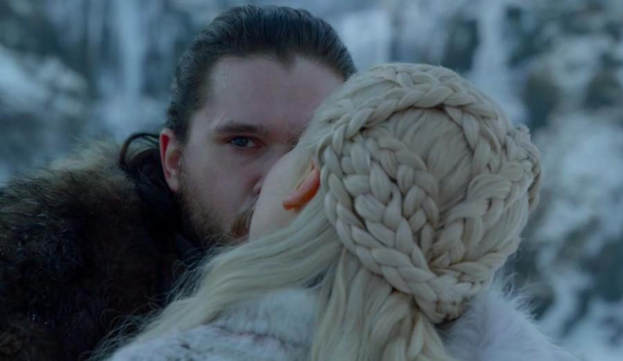 beso jon y daenerys dragon mirada
